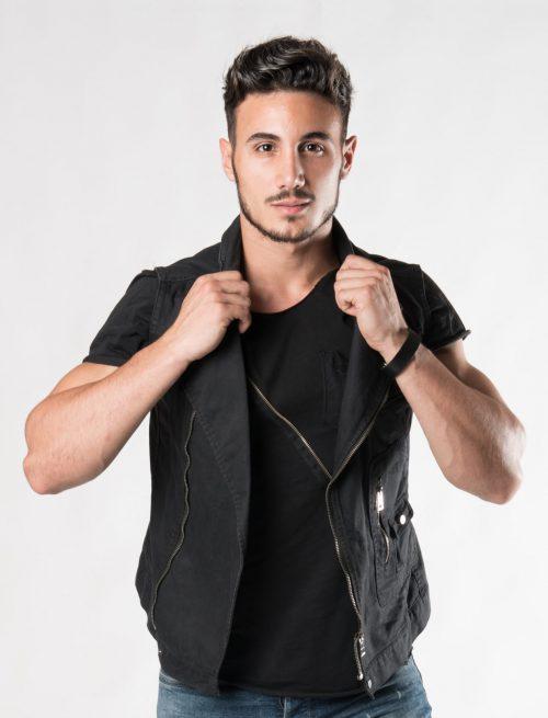 Sleeveless Zip-up Jacket